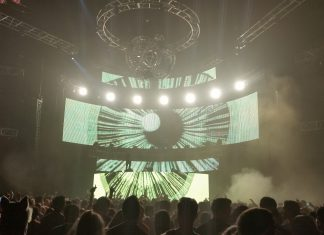 LED OMFG! NYE 2016 Stage