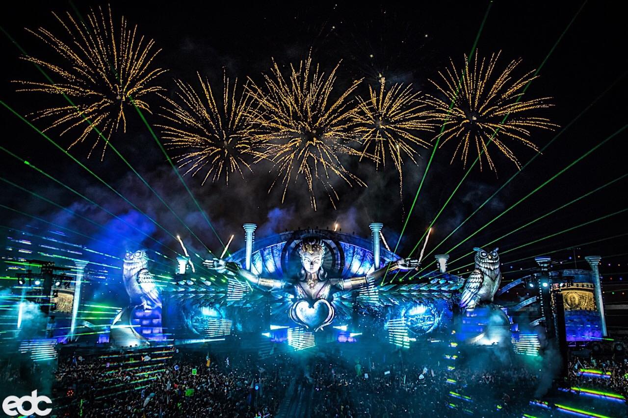 edc vegas With more than 130,000 attendees at 2016 edc on sunday,  with more than 135,000 attendees at night 2 of the electric daisy carnival at las vegas motor speedway,.