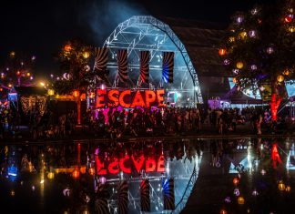 Escape: Psycho Circus 2018 Sign