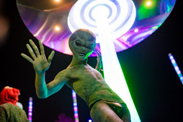 Countdown NYE 2018 Alien