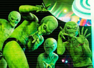 Countdown NYE 2018 Aliens