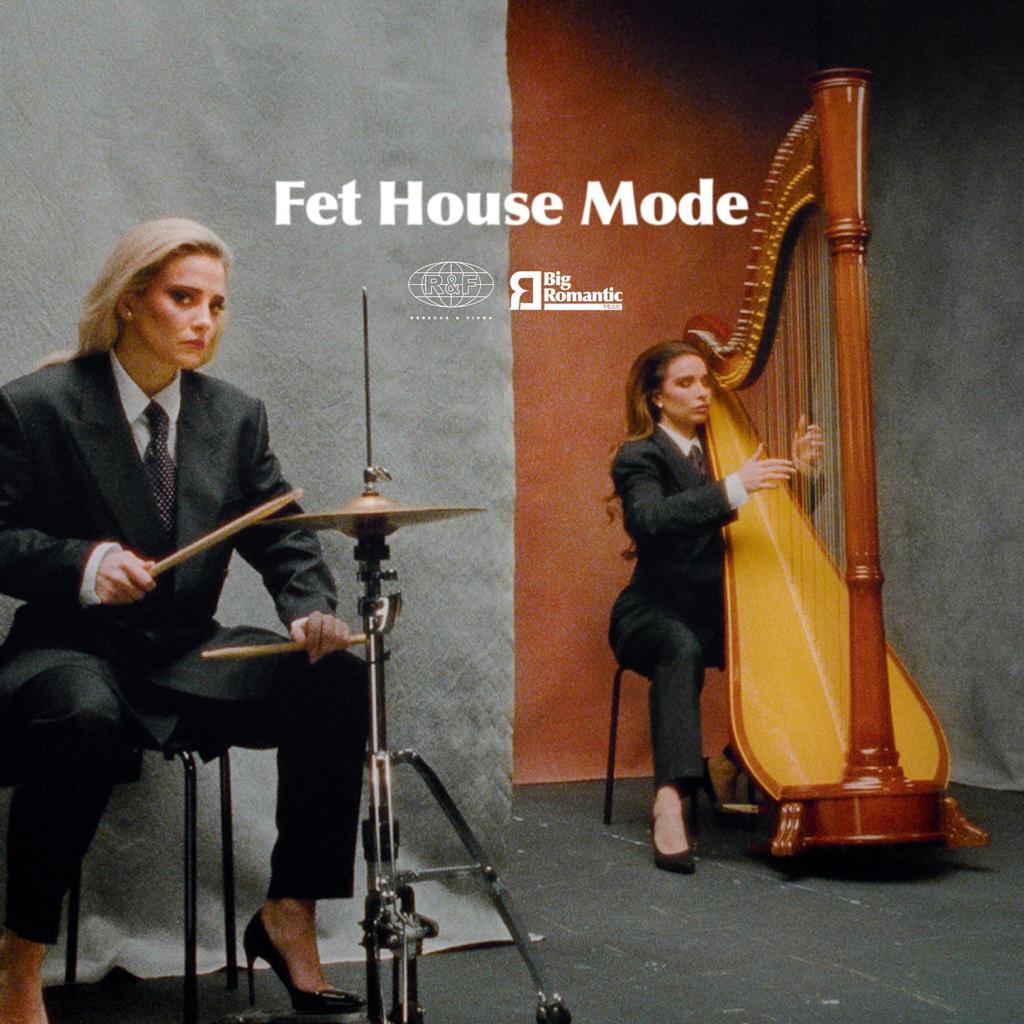 Rebecca & Fiona  'Fet House Mode' ile ilgili görsel sonucu