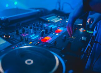 DJ Decks CDJs Livestreams coronavirus livestream